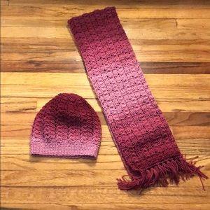 🚨 WINTER SALE Crochet ombré hat and scarf 🧣